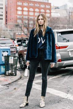 t-shirt + black jeans + snake print shoes