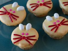 Easter bunny cupcakes.. although they look a bit like mice to me.. some bunny teeth would help & maybe bigger ears