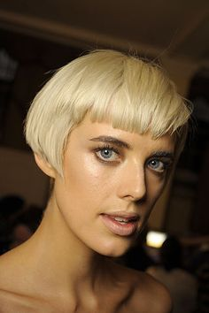 Agyness Deyn. Edgy Haircuts, Short Pixie Haircuts, Short Hairstyles For Women, Bob Hairstyles, Messy Pixie Cuts, Short Hair Cuts, Short Hair Styles, Hair Inspo, Hair Inspiration