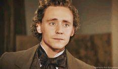 Tom Hiddleston Has Glorious Curly Hair