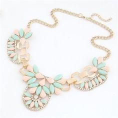 Korean Fashion Blazed Bright Flowers Design Necklace - Pink