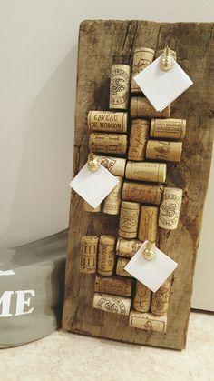 #Planche #bois #bouchons #liège #pensebete #ananas #punaise