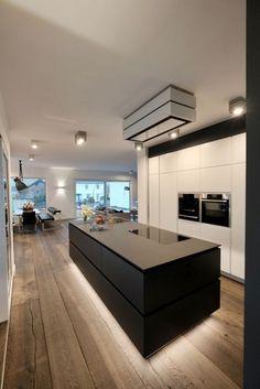 House_does - aprikari GmbH & Co. KG House_does - aprikari GmbH & Co. KG House_does - aprikari GmbH Farmhouse Kitchen Island, Modern Kitchen Cabinets, Modern Kitchen Design, Interior Design Kitchen, Modern Design, Kitchen Islands, Kitchen Designs, Kitchen Taps, Glass Kitchen
