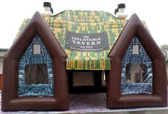 You can not go to the pub with friends? No problem, the inflatable tavern comes to you.