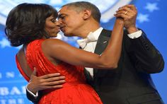 20 Adorable Photos Of Barack And Michelle That Give Us #RelationshipGoals