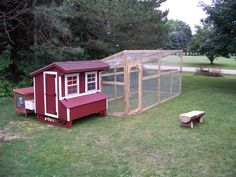 Sloped roof chicken run with easy access. Use with most hen houses! #ChickenRun www.FreeHenHousePlans.net