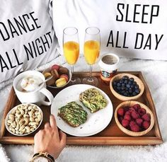 Avocado on toast and berries --> Food Pinterest: @FlorrieMorrie00 Instagram: @flxxr_