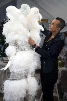 #JulienMacDonald con el diseño del vestido y abrigo creado en exclusiva para #JenniferLopez