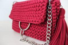 Articoli simili a Bag Crochet Bag Bag of knitted yarn Handmade bag Stylish bag Knitted bag Lady is bag Crossbody bag Red bag Chloe Bag whis ring Clutch su Etsy Diy Bag Making, Crochet Clutch, Crochet Art, Red Bags, T Shirt Yarn, Chloe Bag, Knitted Bags, Handmade Bags, Knitting Yarn