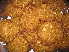 Healthy Oatmeal Cookies made with orange zest, pure vanilla, pecans and nutmeg. Gluten Free Oatmeal Cookie Recipe, Healthy Oatmeal Cookies, Oatmeal Recipes, Healthy Treats, Healthy Recipes, Healthy Food, Pecan, Low Carb, Diet