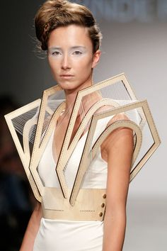Winde Rienstra SS12 | Future Fashion | detail | structure | design | style | futuristic | wearable art | high fashion | couture | Schomp BMW