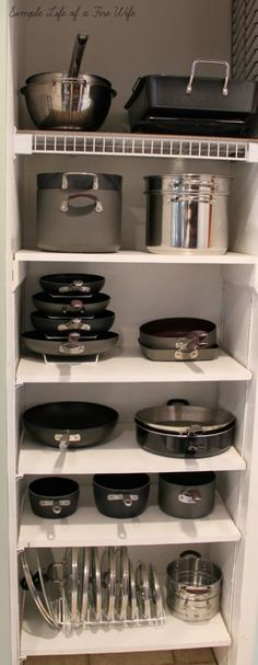 Ideas Kitchen Cabinets Organization Pots And Pans Organizing Ideas For 2019 Apartment Kitchen Organization, Pan Organization, Kitchen Cabinet Organization, Kitchen Storage, Organizing Ideas, Countertop Organization, Apartment Ideas, Apartment Living, Diy Kitchen Shelves