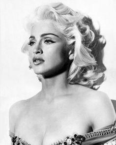 Madonna en Marilyn Monroe, de gelijkenis is treffend!