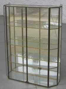 1000 images about vitrine en verre on pinterest brocante d and glass display cabinets. Black Bedroom Furniture Sets. Home Design Ideas