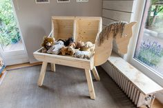 Build a wooden horse yourself: how to do it step by step - Diy Möbel Hydrangea Care, Hydrangea Flower, Wood Crafts, Fun Crafts, Diy And Crafts, Parents Room, Kids Room, Diy For Kids, Crafts For Kids