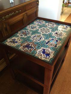 Asuman Özdemir 2015/6 çini servis masası çalışmam Tiled Coffee Table, Ikea Lack Table, Quartz Tiles, Tile Tables, Turkish Tiles, Blue Pottery, Tile Art, Tile Design, Boho Decor