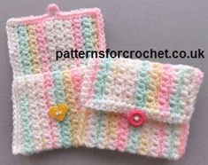 Free crochet pattern for aSmall Purse by Patterns For Crochet.