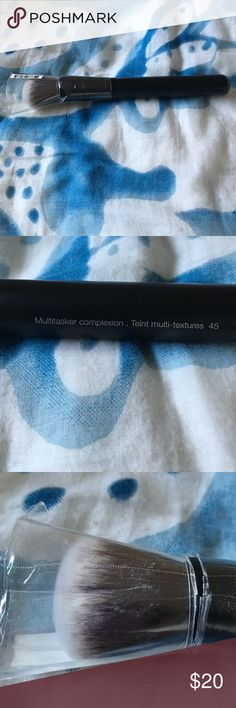 Sephora collection multitasker brush Multitasker complexion brush #45, new never been opened Sephora Makeup Brushes & Tools