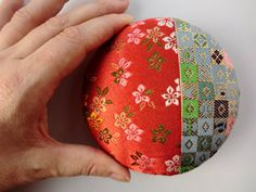 Fabric brooch Japanese kimono 4 inches by japanmomijidesigns