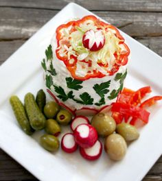 Scandinavian-Inspired Recipe: Avocado & Bacon Club Sandwich Cake