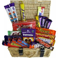 Bradford Bakers offers Luxury Hampers, Gift Baskets & Wine Hampers in the UK. Buy now and get them delivered anywhere across UK. Wine Hampers, Food Hampers, Retro Sweet Shop, Sweet Hampers, Hampers Online, Luxury Hampers, Luxury Food, Retro Sweets, Chocolate Delight
