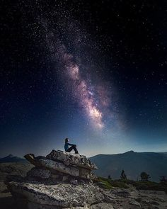 Hotels-live.com/cartes-virtuelles #MGWV #F4F #RT North Dome Yosemite National Park Mariposa County California U.S. | Photography by  Jonathan Mitchell (@_jonathanmitchell_) #EarthOfficial by earthofficial https://www.instagram.com/p/BB0cvEyt0Tw/