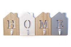 """Κρεμάστρα """"Home"""" Metal Walls, Bookends, Pallets, Wood, Diy, Home Decor, Decoration Home, Woodwind Instrument, Bricolage"""
