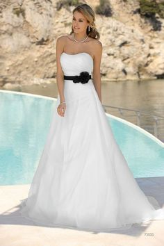 89 best Color Accent Brides images on Pinterest in 2018 | Wedding ...