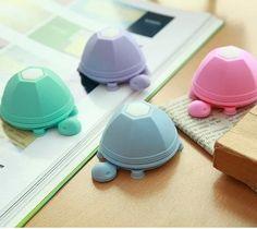 Tortoise Silicone Stand Earphone Wrap