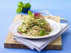 Zucchini-Nudeln mit Mandelsoße
