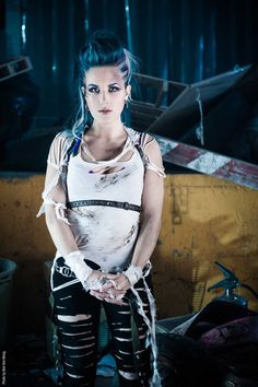 the agonist alissa white-gluz Ladies Of Metal, Metal Girl, Death Metal, The Agonist, Alissa White, Estilo Rock, Arch Enemy, Heavy Metal Bands, Female Singers