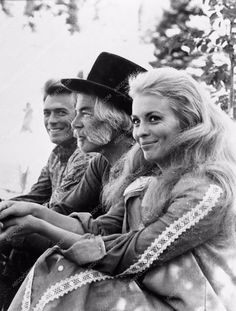 photo Clint Eastwood Lee Marvin Jean Seberg Paint Your Wagon Vintage Hollywood, Classic Hollywood, Clint And Scott Eastwood, Viejo Hollywood, Romain Gary, Lee Marvin, Jean Seberg, Musical Film, Photo Vintage