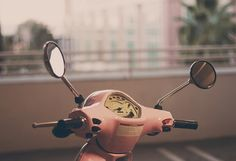 I want to take a joy ride on a Pink Vespa...