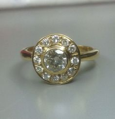 Vintage 14ct gold diamond cluster ring....x