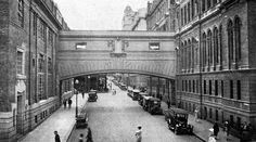 The old Post Office in Adderley Street (right), .was joined to the telephone exchange building by a bridge over Parliament Street Old Pictures, Old Photos, Vintage Photos, Old Bridges, Old Post Office, Desert Life, Cape Town South Africa, Most Beautiful Cities, Deco