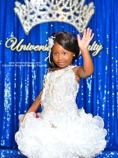 Get your pageant wave on at Universal Royalty® Beauty Pageant! universalroyalty.com #universalroyalty #toddlersandtiaras #glitzpageants #beautypageants #pageants #pageant