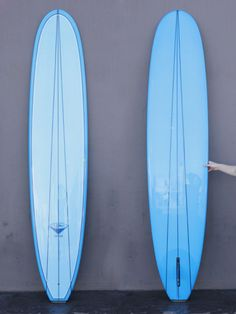 """x 22 x Reynolds """"Renny"""" Yater was one of the first real commercial surfboard builders of the He was from the generation that really put surfing on the map. As the sport of surfing h Surfboard Art, Summer Surf, Hang Ten, Surf Shop, Aqua Blue, Spoon, Surfing, Surf Boards, Design"""
