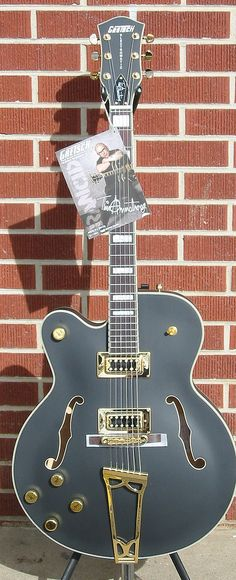 Holy shit...this is awesome! Gretsch hollowbody left-handed guitar