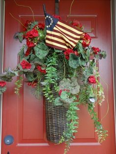 PictureTrail provides online photo sharing, personal homepages and image hosting. Country Front Door, Front Door Decor, Wreaths For Front Door, Door Wreaths, Front Porch, Patriotic Wreath, Patriotic Decorations, Labor Day Decorations, Fourth Of July Decor