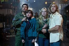 Super 8 movie scene with Kyle Chandler, Joel Courtney, Elle Fanning and Ron Eldard picture ( of Elle Fanning, Love Movie, Movie Tv, Movie Cast, Movie Scene, Ron Eldard, Best Films To Watch, Science Fiction, Film Trailer