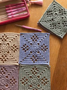 crochet along terray, tertia, cal, deken Crochet Squares, Granny Square Crochet Pattern, Crochet Motif, Crochet Hooks, Knit Crochet, Knitting Patterns, Crochet Patterns, Hand Art, Love Crochet