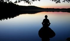 Yoga and meditation go hand and glove for those looking for a healthy exercise for both mind and body. Here are 5 essential tips for beginners adding meditation to their yoga practice. Zen Meditation, Evening Meditation, Vipassana Meditation, Meditation Benefits, Meditation Quotes, Tai Chi, Yamas And Niyamas, Kundalini, A Course In Miracles