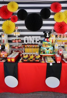 It's a Mickey Mouse Birthday Party! Black and white striped backdrop Mi - Little Boy Names - Ideas of Little Boy Names - It's a Mickey Mouse Birthday Party! Black and white striped backdrop Mickey silhouette suspenders and lots of sweet treats. Mickey 1st Birthdays, Mickey Mouse First Birthday, Mickey Mouse Clubhouse Birthday Party, 1st Boy Birthday, 1st Birthday Parties, Birthday Ideas, Birthday Table, Theme Mickey, Fiesta Mickey Mouse
