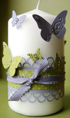 Candle.  What a great gift this would make.  Endless possibilities to decorate.