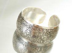 Cómo limpiar joyas de plata en casa