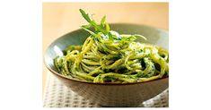 Spaghettis ou linguine au pesto d'épinards et avocat, une recette de la catégorie Pâtes & Riz. Plus de recette Thermomix® www.espace-recettes.fr