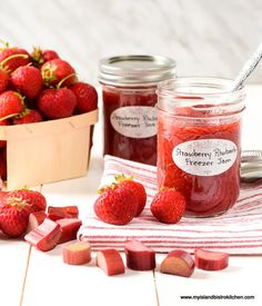 This Strawberry Rhubarb Freezer Jam boasts the wonderful combination of strawberry and rhubarb flavors and is very quick and easy to make. Rhubarb Freezer Jam, Freezer Jam Recipes, Rhubarb Recipes, Jam Maker, Canning Process, Marmalade Recipe, How To Make Jam, Island Food, How To Squeeze Lemons