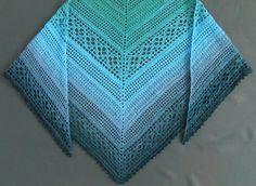 Dreieckstuch häkeln // auch für Anfänger https://www.crazypatterns.net/de/items/26338/dreieckstuch-magic-seaflower