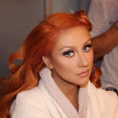 Beauty Lover: Christina Aguilera: agora no time das ruivas