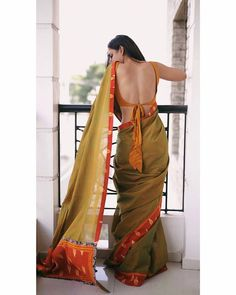 65 Stylish and Trendy Blouse Designs For Saree and Lehenga - Tikli Kaftan, Stylish Blouse Design, Saree Models, Dress Indian Style, Indian Outfits, Stylish Sarees, Saree Look, Vogue, How To Pose